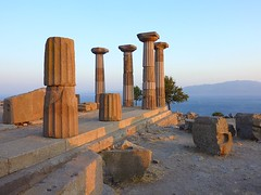 The ruins of the temple of Athena in Assos  (The island in the background is Lesbos) (Frans.Sellies) Tags: turkey temple evening day trkiye clear turquie trkei athena lesbos turkije turquia assos turchia turkei mytilini  behramkale mitilini  midilli   behram     mytilni  p1370510 a