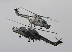 Luchtmachtdagen 2011 (NLHank) Tags: show sea cats black holland netherlands speed canon eos flying team 645 king open display action airplanes navy nederland royal aerial airshow helicopter 7d helicopters airforce 70200 heli fryslan leeuwarden seaking vliegtuig koninklijke favoriet vliegshow luchtmacht 2011 vliegtuigen ljouwert straaljager 641 jetfighters luchtmachtdagen vliegbasis luchtmachtdag eis7d