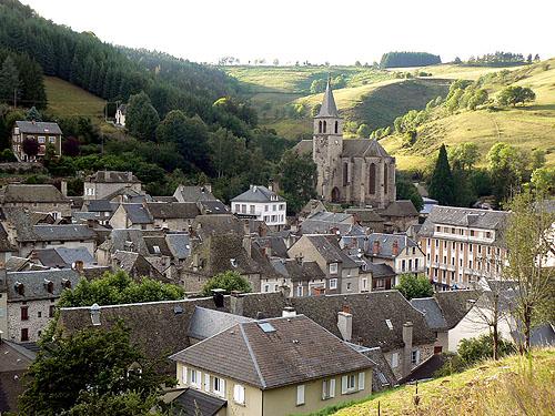 le village de Chaudes Aigues.jpg