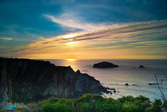 End Rocks / Cabo Peas (DeLaTorre 73) Tags: blue sunset sea sky espaa costa naturaleza sun mountain seascape verde green sol nature water colors grass azul clouds marina landscape atardecer coast mar spain agua rocks north asturias paisaje cielo nubes puestadesol montaa puesta ocaso horizont montain rocas horizonte anochecer norte montaas cantbrico costero coust principadodeasturias photosandcalendar worldwidelandscapes natureselegantshots panoramafotogrfico contacgroup mygearandme mygearandmepremium mygearandmebronze mygearandmesilver mygearandmegold flickrsportal mygearandmeplatinum mygearandmediamond sonyalfa230 silverlostcontperdidos rememberthatmomentlevel1 magicmomentsinyourlifelevel1 rememberthatmomentlevel2 onlythebestofflickr