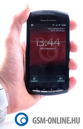 Sony Ericsson Xperia Play kézben2
