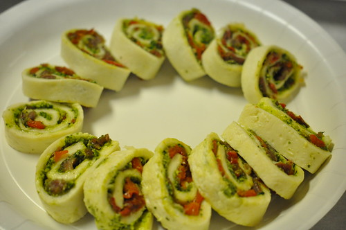 Pesto-filled mozzarella spirals