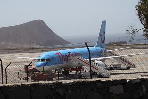 Thomson 757 @ Tenerife Sur Airport