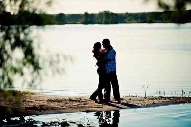 Couples Shoot at Petrie Island-8.jpg
