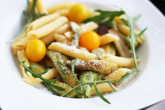 pasta con zucchine e rucola