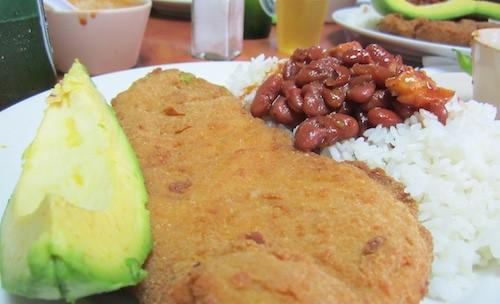Empanada de pollo, Zayas