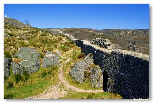 Ruínas do Castelo de Castro Laboreiro #9 by VRfoto