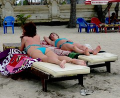 Front-and backside . (Franc Le Blanc) Tags: girls bali beach lumix candid panasonic sunbathing pantai kuta lovelyflickr