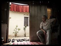 _0012610 copy (mingthein) Tags: portrait house man home digital village availablelight iii 28mm eid malaysia gr raya kampung hari ming ricoh malay 2011 onn grd gerik gr3 thein grd3 photohorologer grdiii mingtheincom