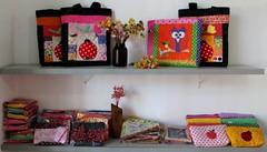 Sábado de correios ... (Joana Joaninha) Tags: flores bag bolsa correios póa joanajoaninha hellennilce