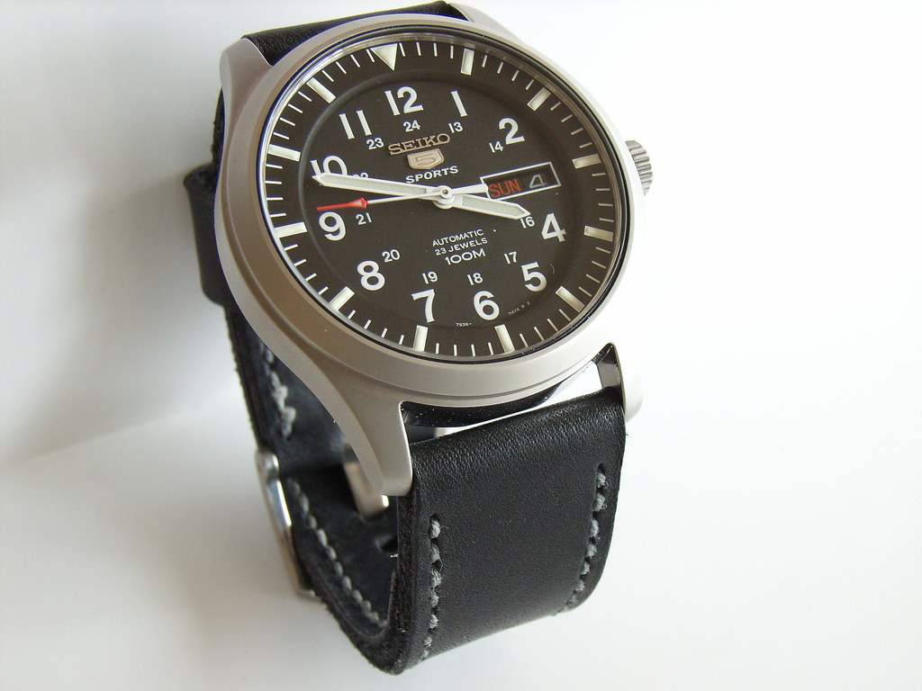 Seiko 5 SNZG15J1 Military Watch & Toshi Leather Strap