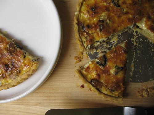 mushroom-fontina tart