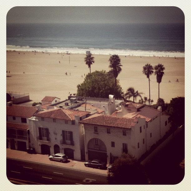 Spanish beach homes in Santa Monica. Yes please.