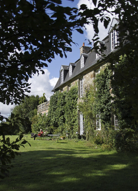 Le Château, Peter Gabriëlse's home - 221
