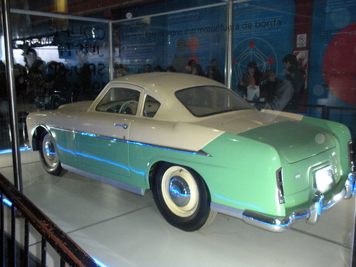 Teal car in Tecnopolis