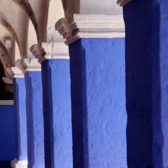 Cloisters in blues ... (Z Eduardo...) Tags: old blue peru monument latinamerica southamerica colors colours shadows colonial historic unesco worldheritagesite andes cloister monasterio santacatalina coluns flickraward