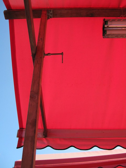drollgirl red awning