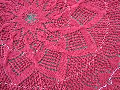 Roja Rosa - v. 2 / diag.3 - center detail (lilredwitch9) Tags: vintage knitting 10 lace wip cotton german tablecloth rosenblatt doily circulo clea niebling dsc01744 pañodeportada 20110809