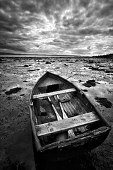 High and Dry (alastair.stockman) Tags: ireland blackandwhite irish beach water londonderry 5d 1740 derry ulster foyle irishcoast canon1740f4lusm canoneos5dmarkii alastairstockman 5dmarkii 5d2 5dii