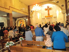"""Gottesdienst in Kirkuk • <a style=""""font-size:0.8em;"""" href=""""http://www.flickr.com/photos/65713616@N03/6035107774/"""" target=""""_blank"""">View on Flickr</a>"""
