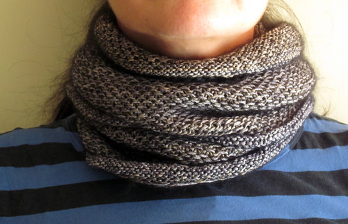 metallic honey cowl- round twice