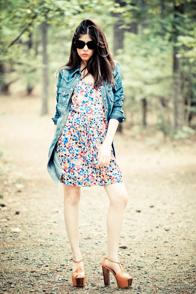 True Religion Jeans, French Connection Floral Dress, Jessica Simpson Dany, Fashion Outfit