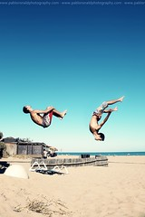 STUNTS [Back flip & Gainer] (Pablo  Ronald) Tags: blue sea summer sky people beach water miguel azul mar jump agua playa tricks cielo verano freerunning salto fr parkour stunts trucos backflip coala gainer colorphotoaward manugarcia pabloronald stunningphotogpin