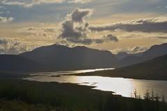 gold river (Neuro74) Tags: travel highlands mare isleofskye canon350d viaggi oceano baia scozia tamron1750 neistpoint egol vanagram