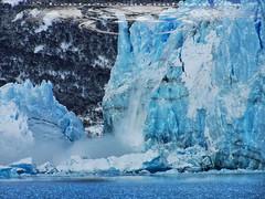 DESPRENDIMIENTO (elcontadordearena) Tags: ice argentina peritomoreno glaciar perito moreno hielo glaciarperitomoreno desprendimiento elcontadordearena elcontadordearenafotografia