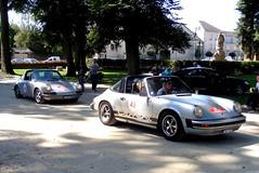 Duo de PORSCHE 911 Targa : Carrera 2.7 devant 2.4 (xavnco2) Tags: france cars automobile 911 german porsche 24 autos gt raid 27 classiccars carrera picardie targa 2011 villerscotterêts aisne suisseparis