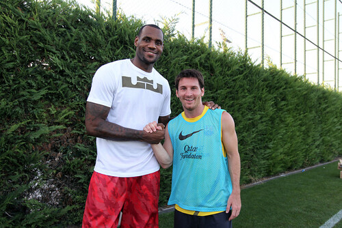 Le Bron James y Messi - Foto Diario SPORT