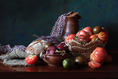 In The Right Light (panga_ua) Tags: lighting light stilllife art colors composition scarf canon reflections dark spectacular bread artwork ceramics darkness purple artistic availablelight tomatoes bowl ukraine poetic onions creation imagination natalie reds arrangement tabletop burlap bodegon naturemorte panga artisticphotography rivne vegs redonions naturamorta artphotography appropriate sharpfocus polishedsurface woodentabletop intherightlight  nataliepanga wickerbowl best4gpin pastelsbackground