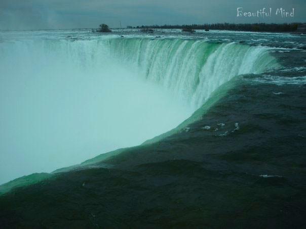 Horseshoe falls2