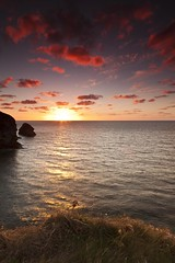 Sunset from Sally's (Martin Mattocks (mjm383)) Tags: ocean pink seascape clouds canon horizon coastline singhray reflectionsunset mjm383 martinmattocksphotography sallysbottomcornwallleefilters