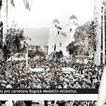 Manifestación en el Parque de Berrío pro carretera Bogotá-Medellín-Atlántico thumbnail