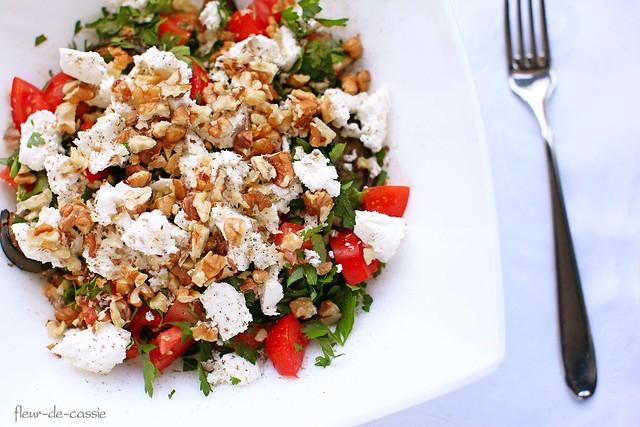 салат с баклажанами, помидорами и фетой