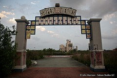 DC Super Heroes Adventure - Six Flags New Orleans (reallocalcelebrity) Tags: sky abandoned louisiana decay neworleans amusementpark sixflags superheroes gotham ef2470mmf28lusm gothamcity sixflagsneworleans jazzland subism gothamcityhall sixflagsjazzland