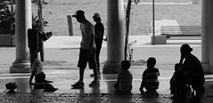 Sguardi (Martina Lunardon) Tags: strada spettacolo spettatori atestaingiù