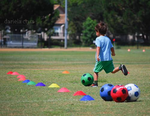 Adri practicando Futbol