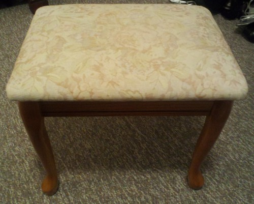 Lexie's vanity stool (1)