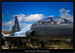 A Jet (Samuel Fowler) Tags: canon t 235 distagon 60d distagont235 carlzeiss httpchitownsamcom