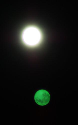 中秋の名月のゴースト