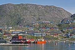 View of Qaqortoq from the MS Maasdam (sobergeorge) Tags: travel paisajes mountain mountains landscape norge cityscape scenic paisaje lookout greenland paysage townscape landschaft traveler landskap mountainscape groenland qaqortoq deepnorth msmaasdam sobergeorge voyageofthevikings bysobergeorge paisajesasombrosos
