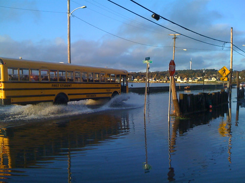 Portsmouth School Bus skirts flooded stop, Island Park