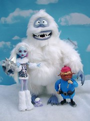 Abbey, Bumble, Shivver, and Yukon (Nataloons) Tags: snow abbey monster high snowman doll north yukon bumble cornelius yukoncornelius mattel abominable the abominablesnowman monsterhigh bominable abbeybominable