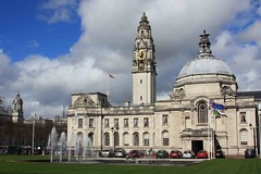 "Cardiff City Hall • <a style=""font-size:0.8em;"" href=""http://www.flickr.com/photos/36398778@N08/6069388758/"" target=""_blank"">View on Flickr</a>"