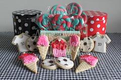 Da del Nio! (All you need is Cupcakes!) Tags: argentina children cupcakes cookie you nios need lollipops nene needcupcakes allyouneediscupcakes