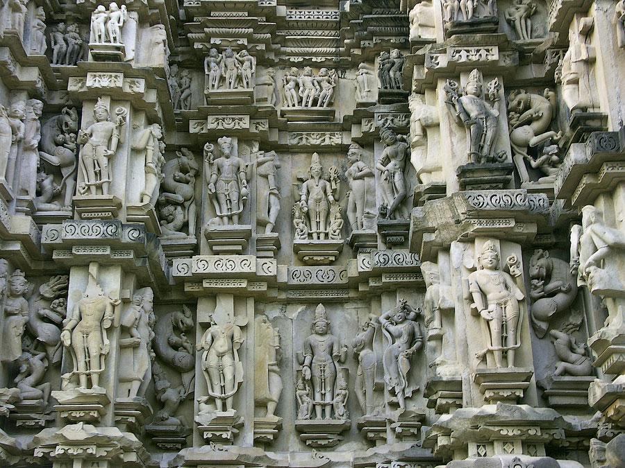 Барельефы индийских храмов на сексуальную тему