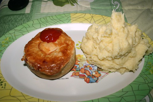 Peppers Steak Pie and Mashed Potato