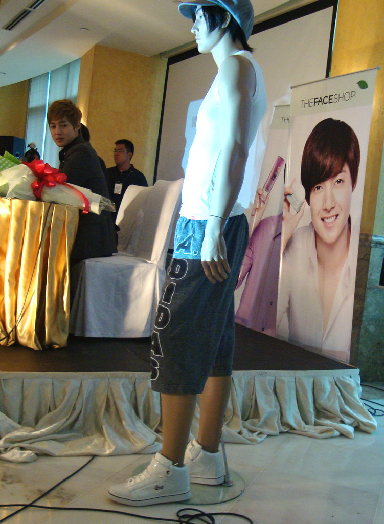 Kim Hyun Joong's cropped pants for auction
